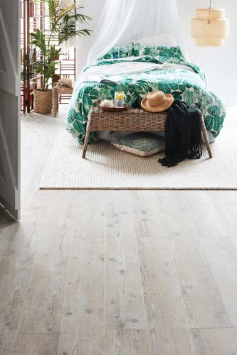 Plantino-Laminate-Deluxe-Extra-Light-Timber_Soul-Linen_RGB-333x500.jpg